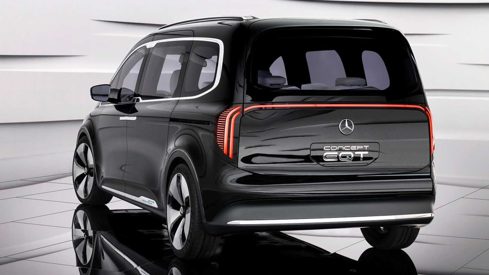 Full-width LED light bar catches attention at the back of the Mercedes-Benz EQT. Image: Mercedes-Benz