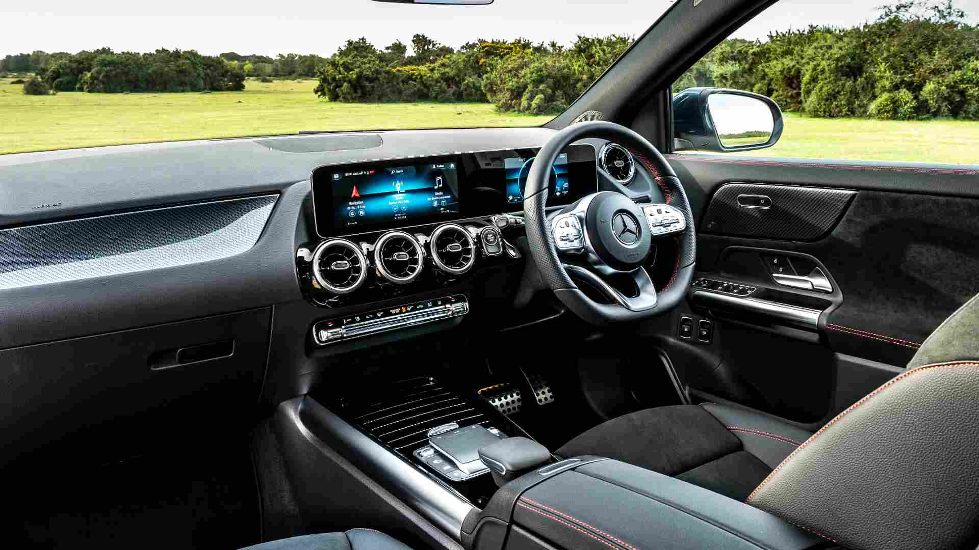 The new GLA gets a twin-screen setup on the inside, with both displays measuring 10.25 inches. Image: Mercedes-Benz