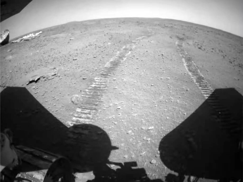 Zhurong's wheel tracks on Mars. /China National Space Administration