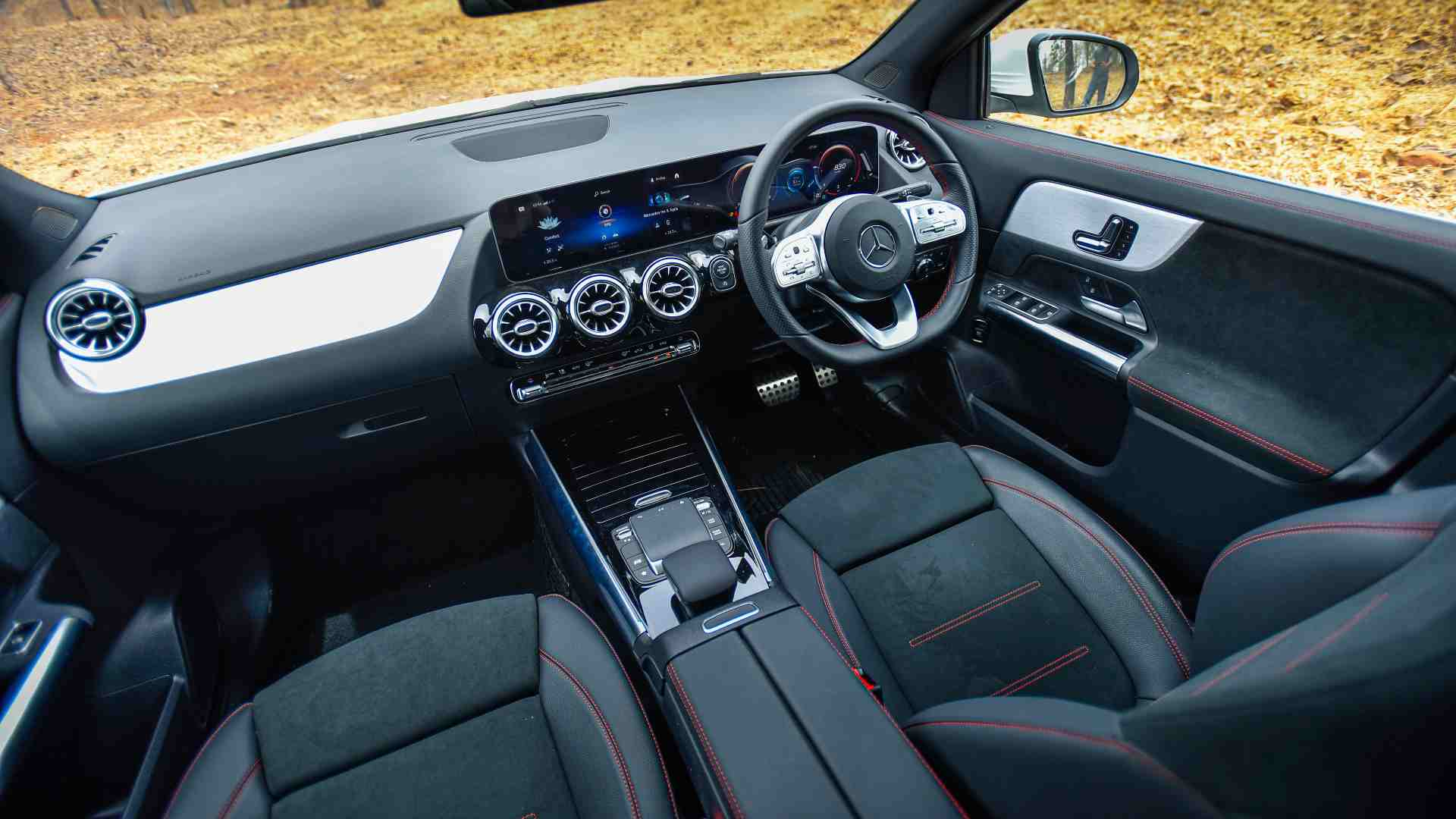 Twin-screen arrangement inside a single, seamless enclosure stands out on the GLA's dashboard. Image: Overdrive/Anis Shaikh