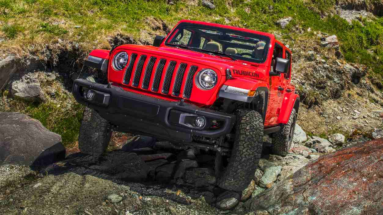 The Gorilla Glass windshield said to be crafted using the same chemical-strengthening technology as used for smartphone screens. Image: Jeep