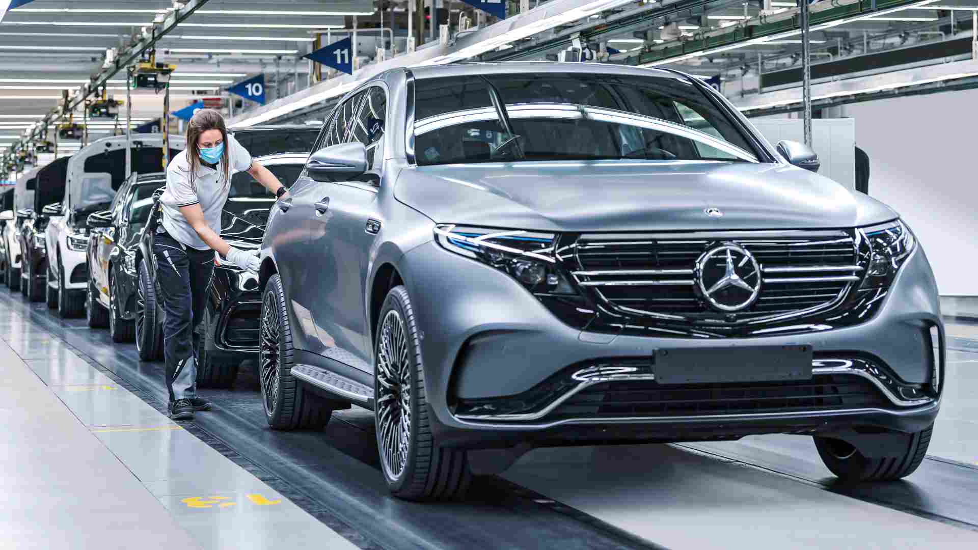 Mercedes-Benz estimates electrified vehicles will make up half its global sales by 2025. Image: Mercedes-Benz