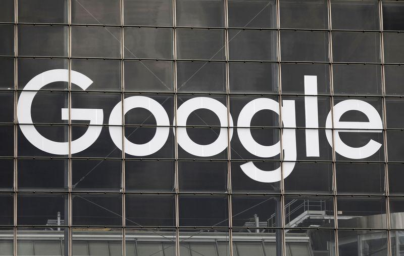 Google strikes deal to pay French news publishers for preview snippets