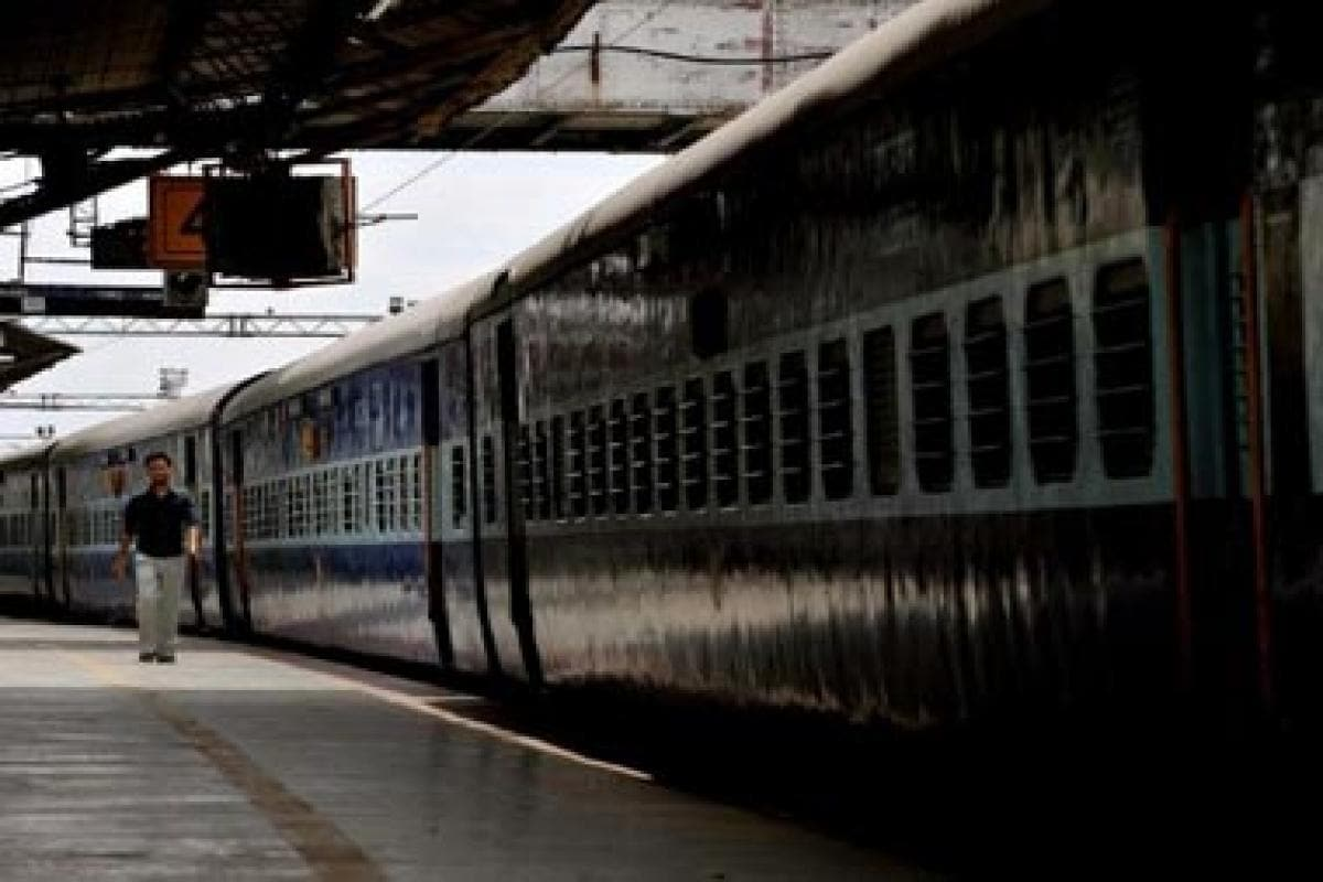 Indian Railways to fine passengers carrying excess baggage