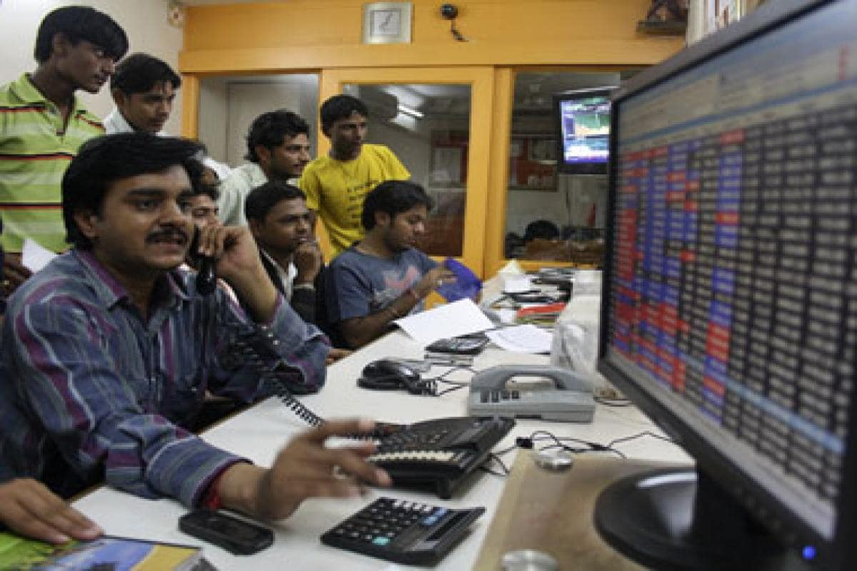 Sensex drops over 100 points, Nifty dips in early trade amid