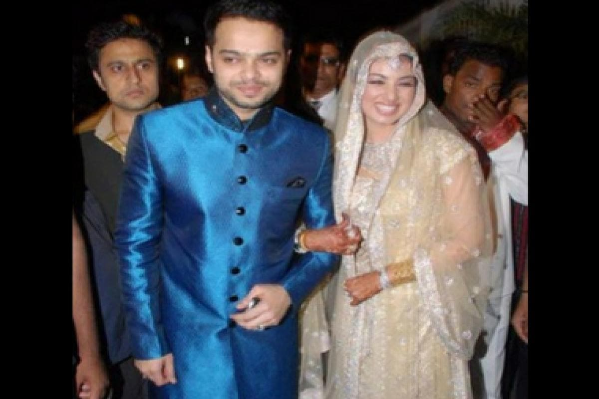Ayesha Takia receives threatening messages from lawyer, husband