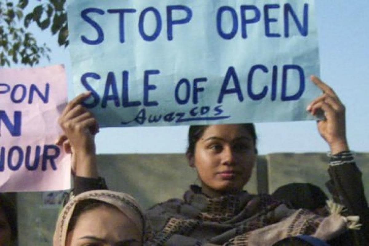 Woman constable attacked with acid in Mathura after she