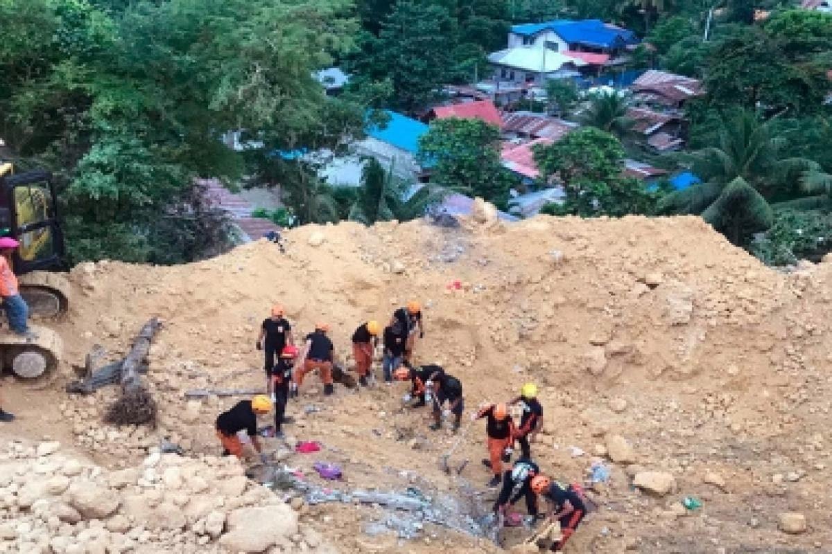 Landslide kills 18 in Phillipines' Naga in Cebu province