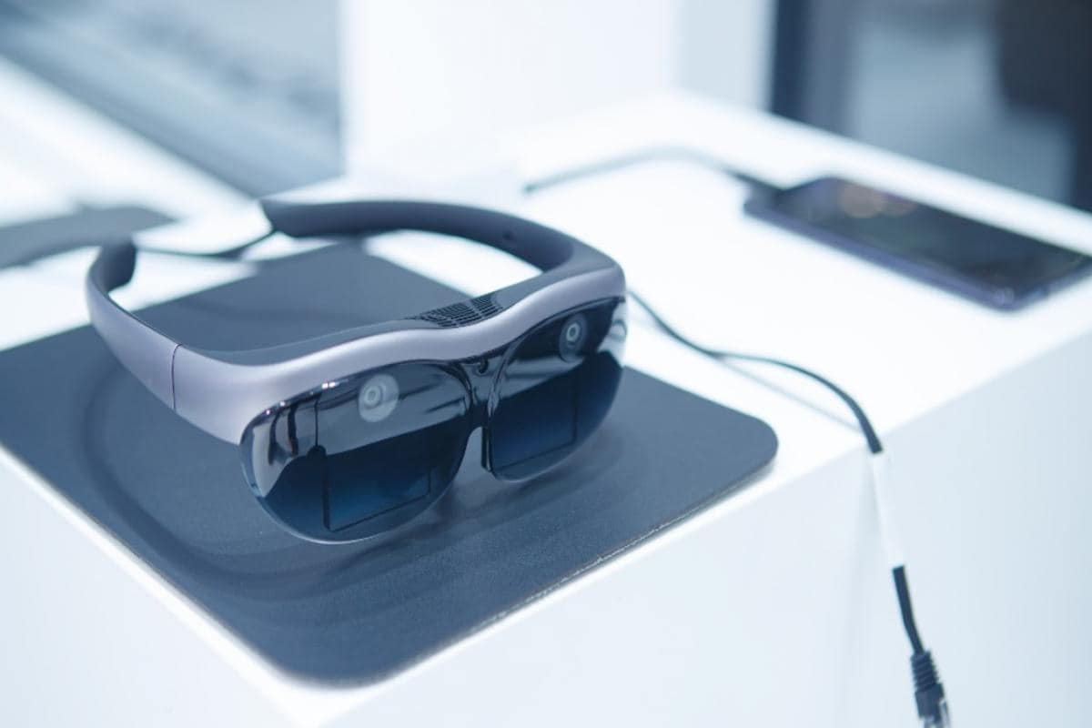 Vivo unveils its first AR glasses at Mobile World Congress in ...