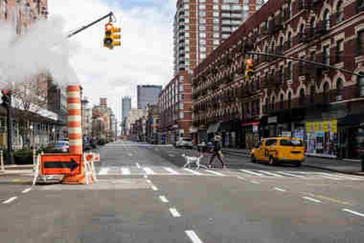 Bildergebnis für New York City will begin closing streets to traffic and ban close contact sports in city parks to help combat the coronavirus, New York Governor Andrew Cuomo said today.