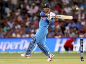 Watch: 'Lightening quick' MS Dhoni shows his love for Indian flag in 3rd T20I against New Zealand