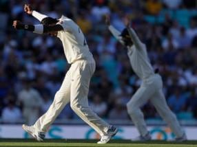 Ashes 2019: Jofra Archer gets six-wicket haul as England bowl Australia out for 225 on Day 2