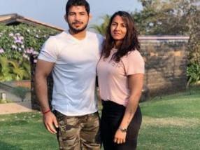 Nach Baliye: Veteran wrestlers Geeta Phogat, Pawan Kumar reportedly roped in as celebrity couple for Season 9