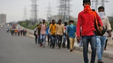 With Maharashtra and Gujarat at loggerheads over procedures, 5,000 Gujarati workers languish in Mumbai waiting to go home