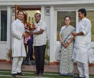 Anti-BJP leaders gather in Karnataka for Kumaraswamy's swearing-in: How long will this ragtag alliance last?