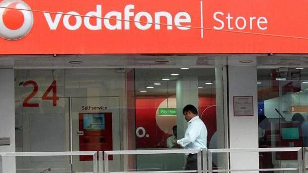 Vodafone Idea CEO Ravinder Takkar says govt wants to see 3 private, 1 public sector telecom player - Firstpost