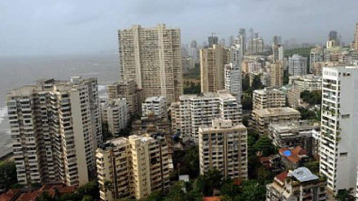 Real estate sector mess: Realtors desperately seeking govt aid, but are paying price for holding rates too high, too long - Firstpost