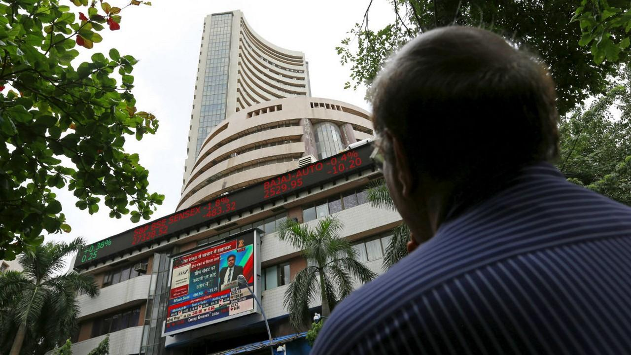 Sensex ends 170 points higher at 40,286, Nifty gains 32 points; ICICI Bank, Infosys, Bajaj Finance among top gainers - Firstpost