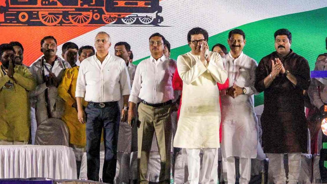 Raj Thackeray's MNS turns saffron, fuelling speculation that party seeks to reclaim Hindutva ideology from now 'secular' Shiv Sena - Firstpost