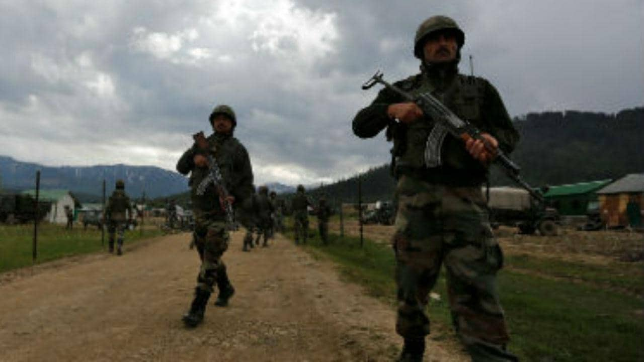 Two Pakistan Army officers injured in retaliatory firing by Indian forces; neighbouring country had violated ceasefire in Poonch - Firstpost