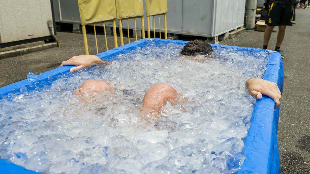 Do ice baths help in muscle recovery and weight loss? - Firstpost