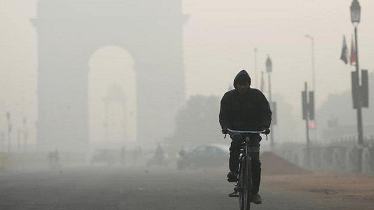Delhi's air quality index moves into 'poor' category, stands at 266 as of Monday morning; AQI likely to deteriorate tomorrow, predicts SAFAR - Firstpost