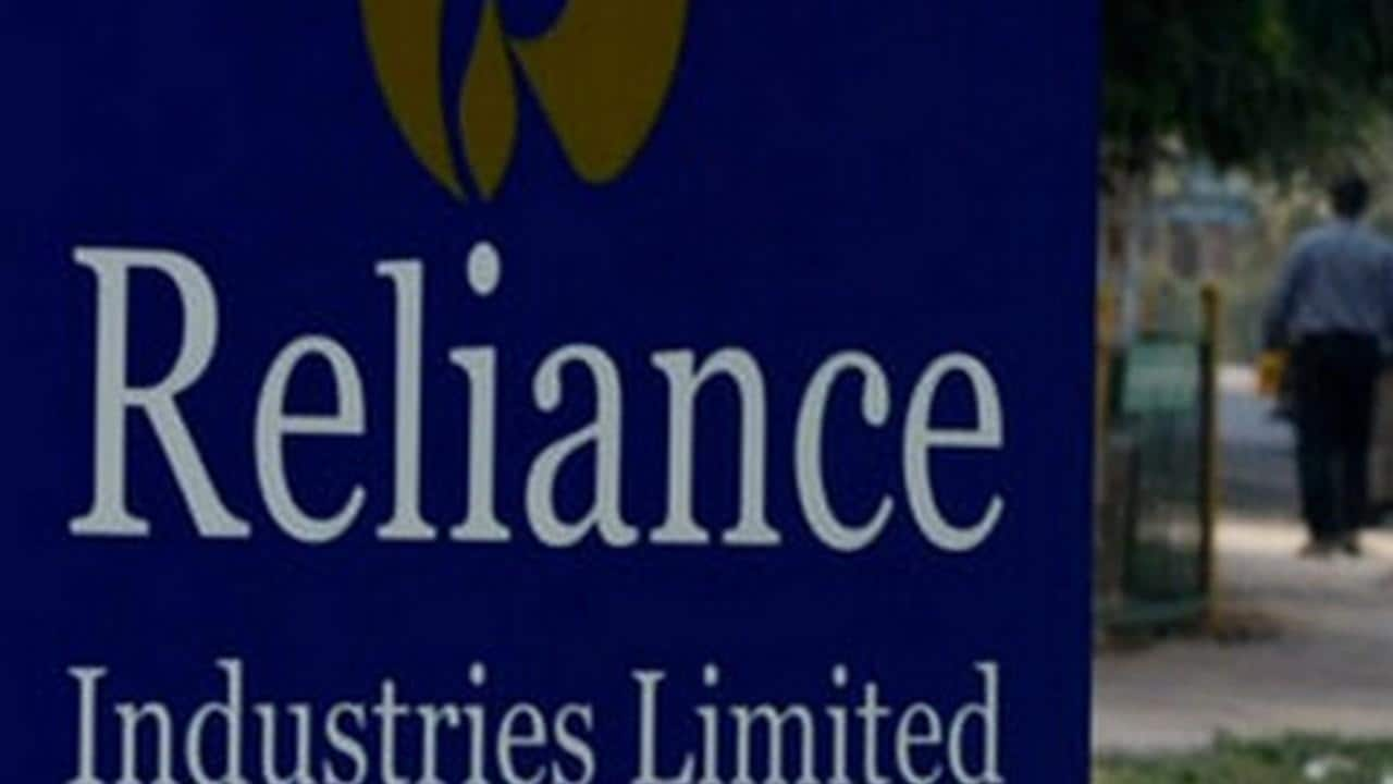 Reliance Industries topples Indian Oil Corporation to become country's largest company in Fortune India 500 list - Firstpost