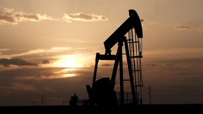 Oil jumps over 2% after U.S. inventory data, Russia OPEC comments - Firstpost