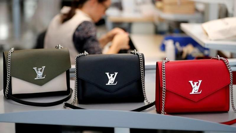 Exclusive: LVMH gets access to Tiffany's books after it raises offer - sources - Firstpost