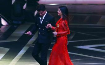 Shah Rukh Khan, Alia Bhatt, Akshay Kumar, Rekha attend 2018 Lux Golden Rose Awards in Mumbai