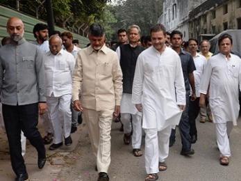 Opposition meet today, but clashing priorities, national ambitions, inherent distrust cripple mahagathbandhan