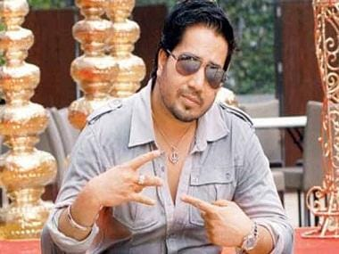 Mika Singh's performance at Karachi wedding amidst strained India-Pakistan ties sparks outrage
