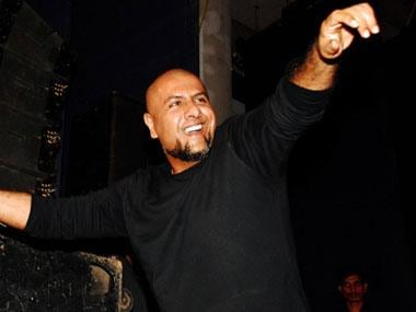 Vishal Dadlani-Tarun Sagar row: Musician seeks Jain guru's forgiveness in person