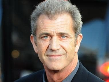 Mel Gibson to direct, co-write remake of Sam Peckinpah's 1969 classic western Wild Bunch