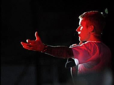 Justin Bieber's India concert: Did 'Sorry' singer cheat Beliebers by lip syncing at a 'live' gig?