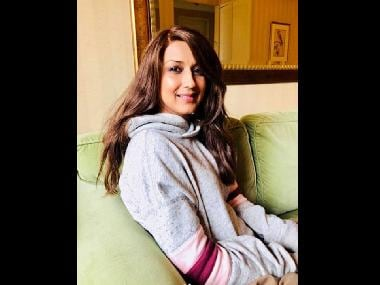 Sonali Bendre returns to India after undergoing cancer treatment in New York for five months