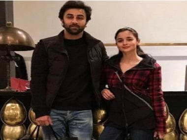 Alia Bhatt, Ranbir Kapoor visit his parents Rishi, Neetu in the US, celebrate New Year's Eve together
