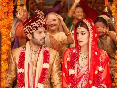 Luka Chuppi box office collection: Kartik Aaryan, Kriti Sanon's film rakes in Rs 5.04 cr on Day 5