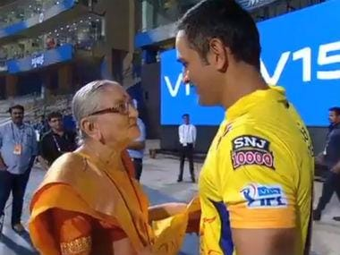 IPL 2019: MS Dhoni shows his gentle side yet again, obliges elderly fan at Wankhede Stadium with selfies, signed jersey