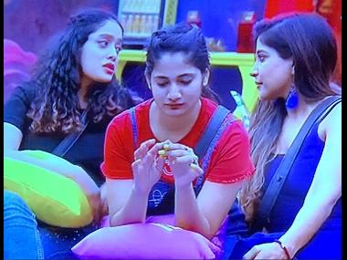 Bigg Boss Tamil Season 3: Abhirami Venkatachalam, Sakshi Agarwal criticised for 'rude' remarks on Meera Mithun