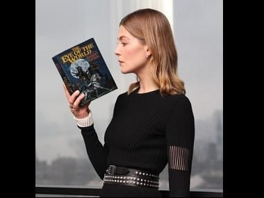 Rosamund Pike to play Moiraine in Amazon's upcoming adaptation of Wheel of Time