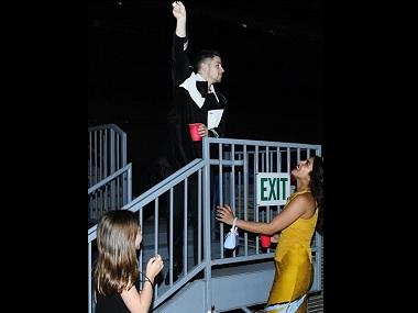 Priyanka Chopra, Nick Jonas recreate iconic Romeo and Juliet pose at a concert in California