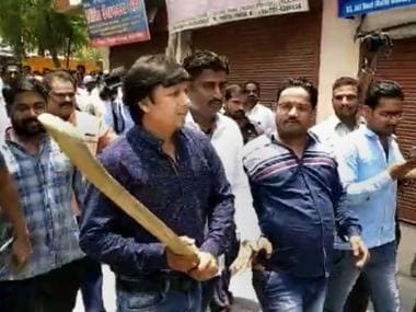 BJP issues show cause notice to MLA Akash Vijayvargiya for assaulting Indore municipal officer with cricket bat