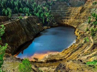 Siberian Instagramers are flocking to toxic turquoise lake to get their IG likes