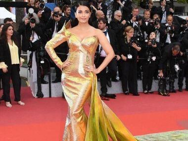 Cannes 2019: Aishwarya Rai Bachchan walks the red carpet in metallic fish-cut gown, poses with daughter Aradhya