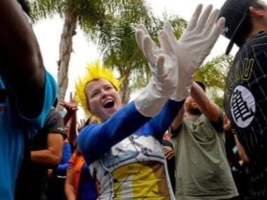 Dragon Ball Z fans break Guinness world record for largest Kamehameha attack at San Diego Comic Con
