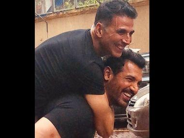 Ahead of Mission Mangal vs Batla House clash, Akshay Kumar poses with Desi Boyz co-star John Abraham