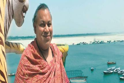 Lord of Pyres Leads Clan in Modi's Kashi