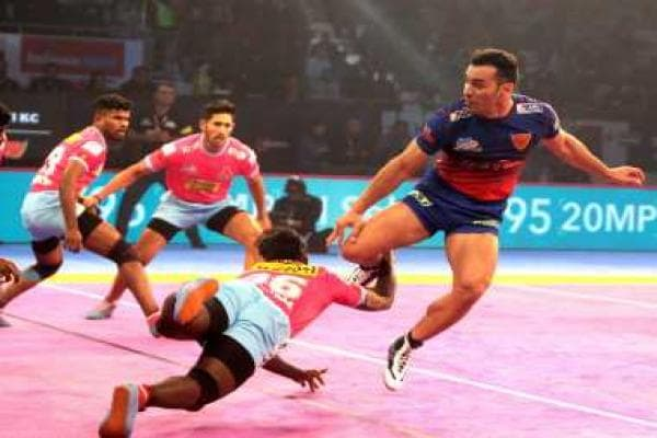 Pro Kabaddi League 2018: Jaipur Pink Panthers stage fine comeback to eke out a tie against Dabang Delhi