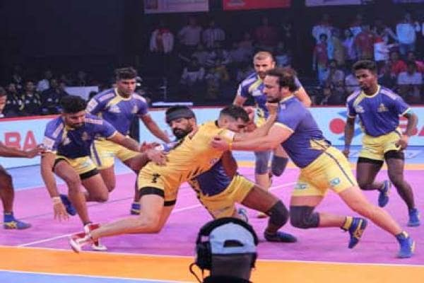 Pro Kabbadi League 2018: Telugu Titans inch closer to qualification from Zone B; U Mumba maintain lead in Vizag leg
